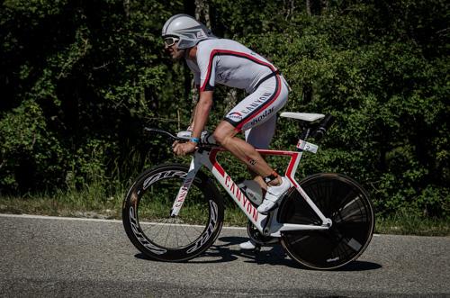 Boris Stein nochmal auf dem Rad beim IRONMAN France 2015