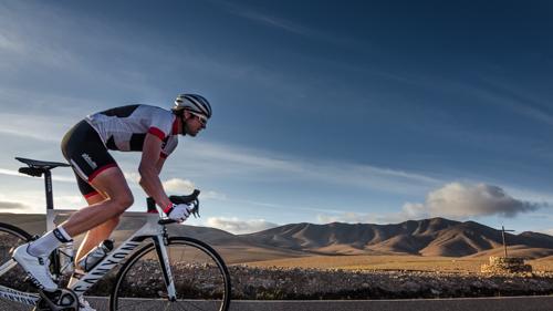 Boris Stein auf seinem Canyon Aeroroad in Fuerteventura