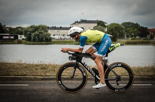 Boris Stein auf der Radstrecke des IRONMAN Kalmar