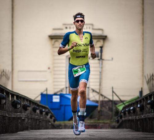 Boris Stein auf der Laufstrecke des IRONMAN Kalmar