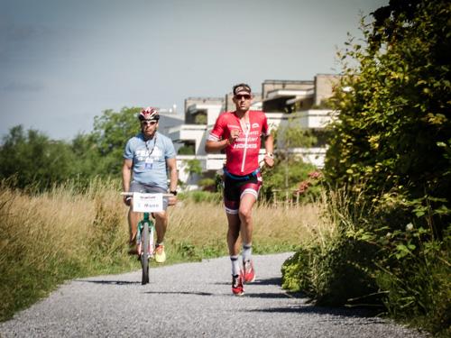 Boris Stein auf der Laufstrecke beim IRONMAN 70.3 Switzerland
