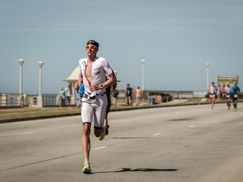 Boris Stein auf der Laufstrecke beim IRONMAN Südafrika