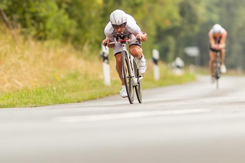 Boris Stein auf dem Rad beim IRONMAN 70.3 in Wiesbaden